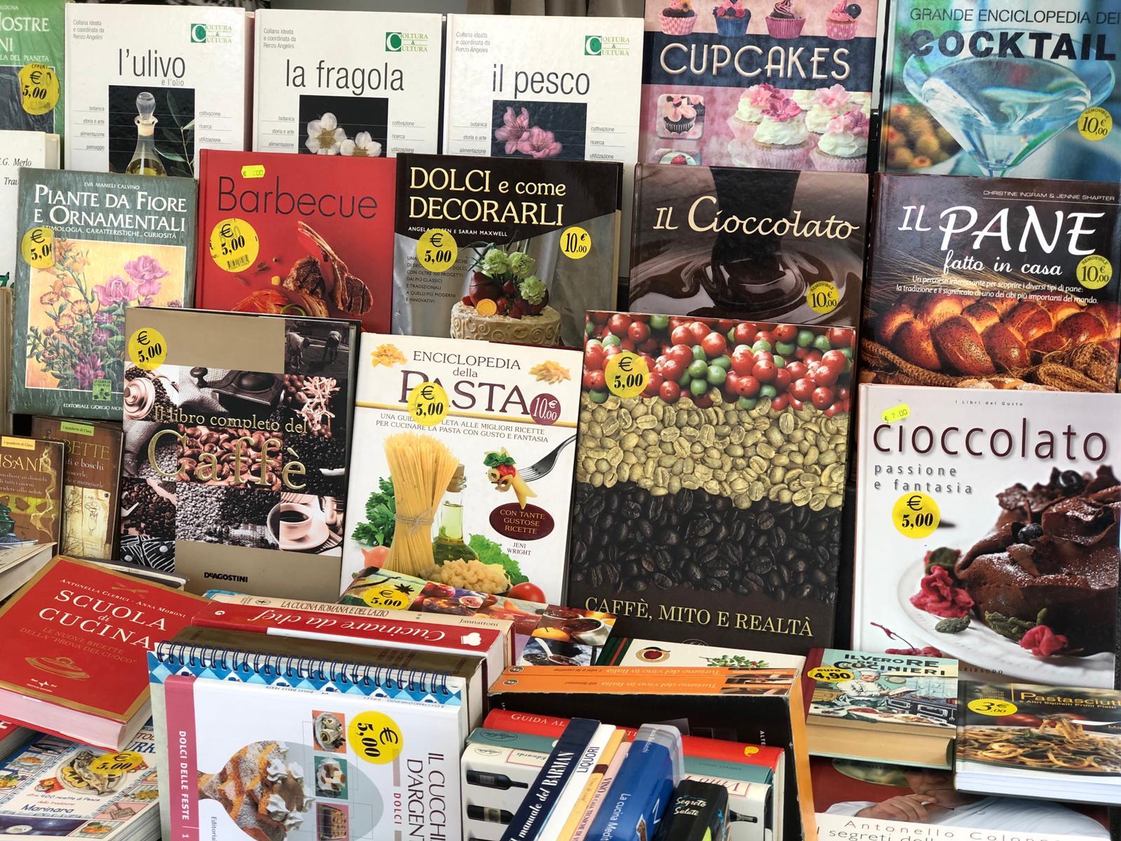 Perugia Fumetti - Mercato Pian Di Massiano - Libri e fumetti usati - 02
